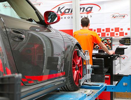 Réparation du train avant d'une Porsche